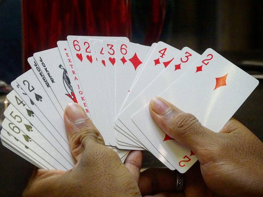 どのカードを誰にどのタイミングで使うか